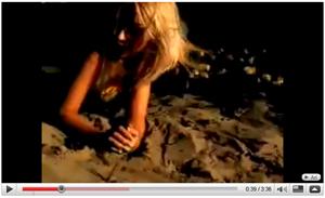 Christina Aguilera - Genie in a Bottle (1999)