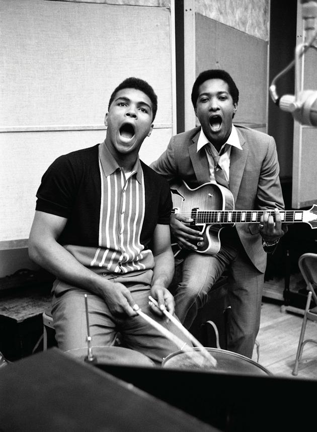 Mohammed Ali met Sam Cooke (1964)