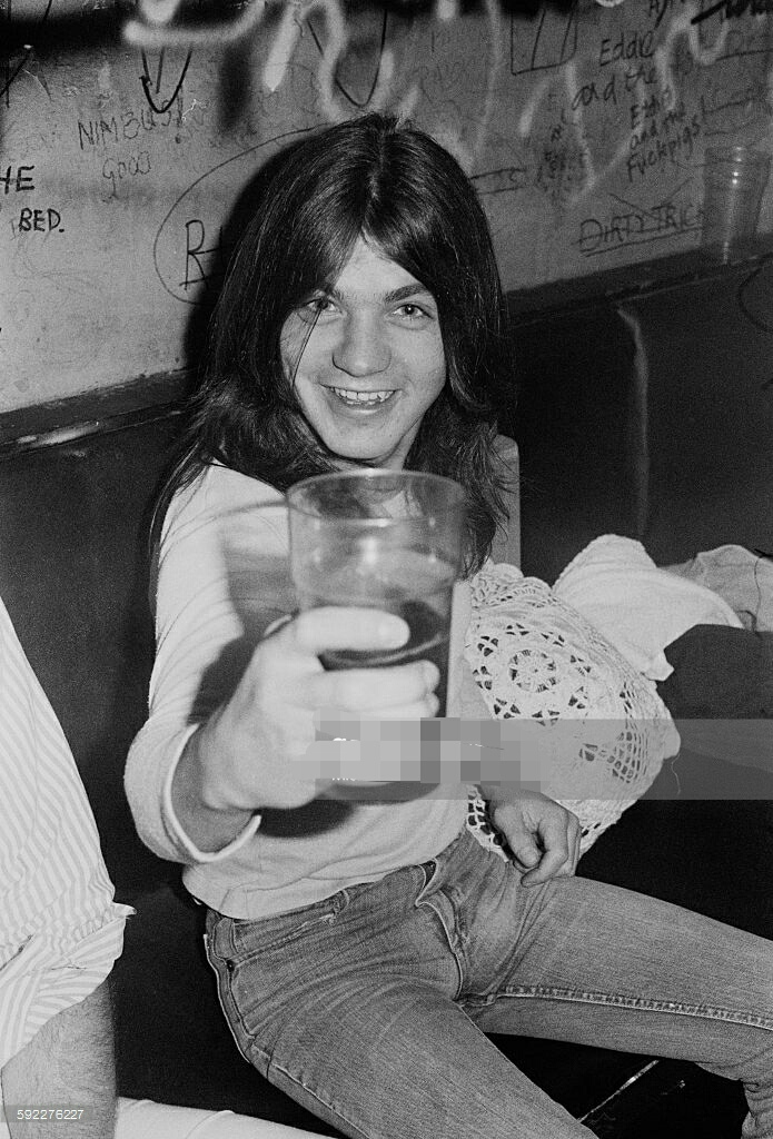 Malcolm Young (1976)