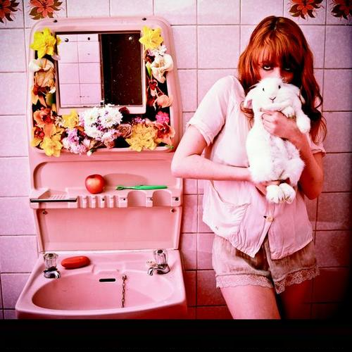 Florence + The Machine - Rabbit Heart (Raise It Up) (2009)